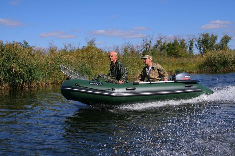 охота на лодке с мотором видео