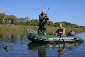 Рыбалка с надувной лодки на пресной