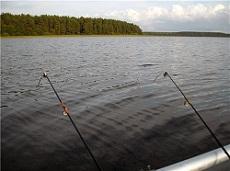 Техника ловли рыбы с лодки на течении. Секреты